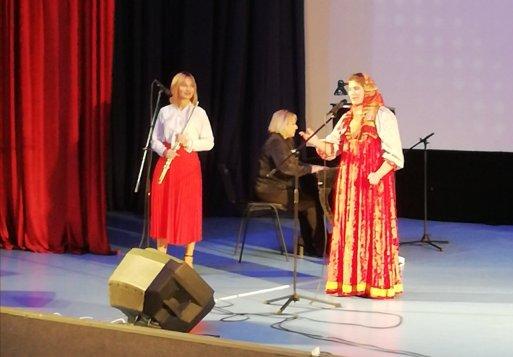 VI  Региональный фольклорный фестиваль «Яблочко от яблони»